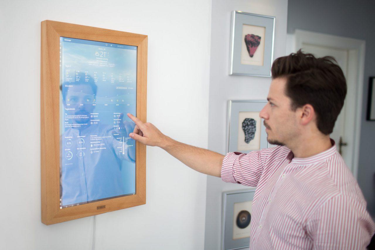 Se lanza Dirror un espejo con un PC en su interior bajo Windows 10