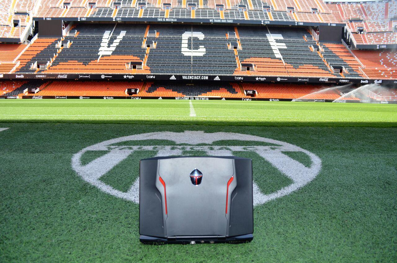 NP: ThundeRobot, partner tecnológico del Valencia CF eSports