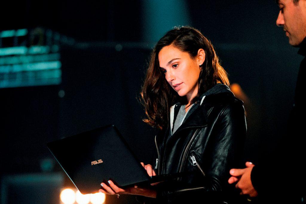 NP: ASUS presenta nuevos modelos ZenBook y VivoBook, el concepto PC Project Precog Future y el nuevo wearable VivoWatch BP en Computex 2018
