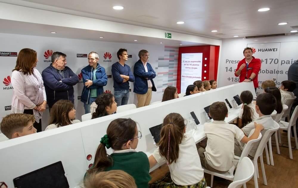 NP: El Smartbus de Huawei España recorre las escuelas de la Comunidad Valenciana para fomentar la educación y responsabilidad digital