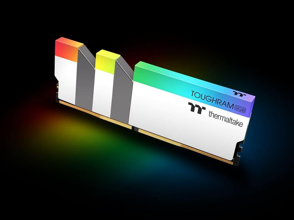 Resultado de imagen de memorias THERMALTAKE TOUGH RGB DDR4 blancas