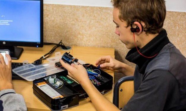 NP: PlayStation colabora con el concurso de robótica 'I Brains Bot League', que pone a prueba la destreza de los alumnos madrileños para crear herramientas sostenibles contra el cambio climático