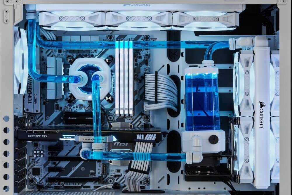 Resultado de imagen de CORSAIR ofrece más componentes de refrigeración, ahora en blanco