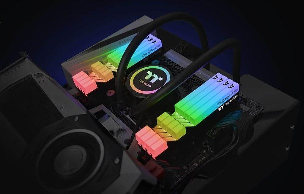 El software Thermaltake NeonMaker ahora soporta la gama de memorias TOUGHRAM RGB