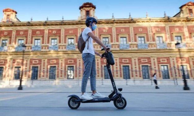 Desescalada en patinetes eléctricos y otros VMP: potenciar la seguridad con los acessorios de Zeeclo