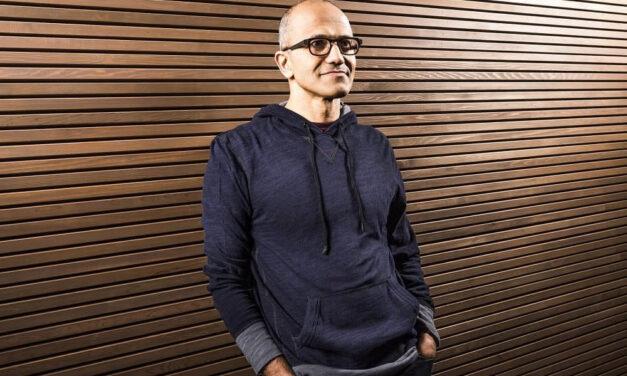 """""""La tecnología reimagina la educación y el trabajo en la era de los datos y el aprendizaje continuo"""", Satya Nadella, CEO de Microsoft"""