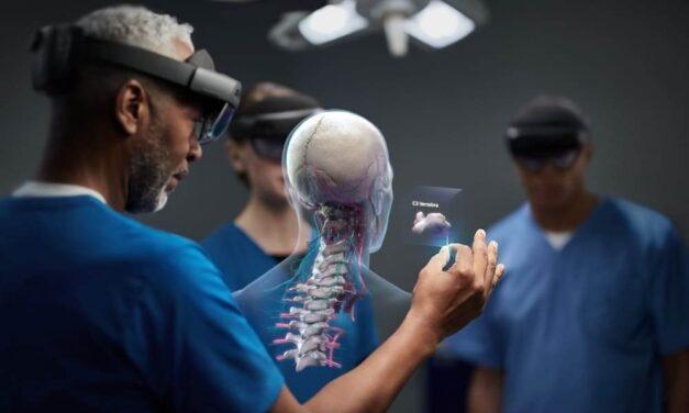 La realidad mixta de HoloLens 2 abre la puerta a la cirugía en remoto a nivel mundial