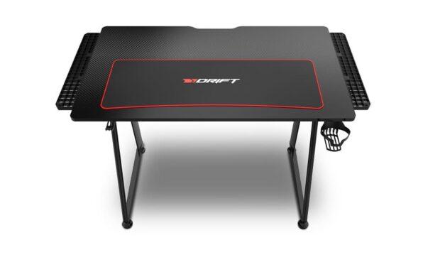 Drift presenta DZ75, una nueva mesa gaming con un espacioso tablero laminado en fibra de carbono, portavasos y soporte para auriculares