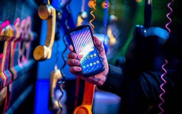 Motorola razr 5G se hace con el premio más importante de diseño, Red Dot 2021